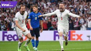 Bek Timnas Inggris, Luke Shaw selebrasi usai cetak gol ke gawang Italia di Stadion Wembley, London, Inggris, Senin (12/7/2021) dini hari WIB. Foto : net