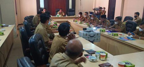 Suasana rapat Bupati Pelalawan H.Zukri  dengan tujuh perusahaan, Senin (14/6/2021). Foto : diskominfo/pelalawan