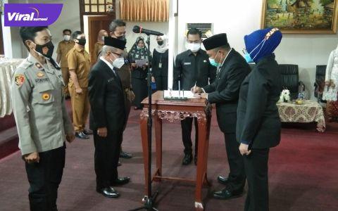 Pelantikan penjabat baru dan pisah-sambut Sekda PALI dipimpin Wakil Bupati PALI Drs H Soemarjono, di Ruangan Rapat Sekda, PALI, Senin (19/7/2021). Foto : viralsumsel.com/eko