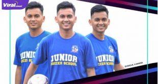 Samsul Anwar Rasma pelatih Junior Soccer School. Foto : viralsumsel.com/ion
