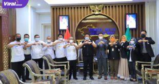Gubernur Sumsel H. Herman Deru menerima audiensi Ketua STIHPADA Palembang, Dr. H. Firman Freaddy Busroh bertempat diruang tamu Gubernur, Rabu (21/7/2021). Foto : viralsumsel.com/sep