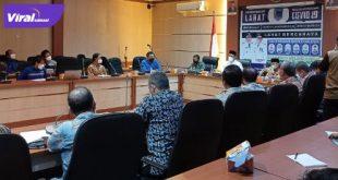 Bupati Kabupaten Lahat, Cik Ujang SH panggil pihak PT Suprame Rantau Dedap terkait banyaknya karyawan Supreme yang positif covid-19, Kamis (22/7/2021). Foto : viralsumsel.com/oki