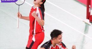Ganda putri Indonesia, Greysia Polii/Apriyani Rahayu selebrasi usai ganyang pasangan Malaysia Chow Mei Kuan/Lee Meng Yean dua gim langsung 21-14, 21-17. Foto : pbsi
