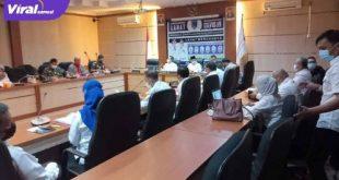 Cik Ujang Bupati Lahat pimpin rapat kordinasi kepada semua pihak terkait penanganan Covid-19, Rabu (28/7/2021). Foto : viralsumsel.com/oki