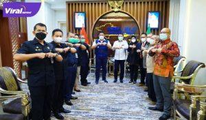 Gubernur Sumsel H Herman Deru menerima audiensi Perhimpunan Rumah Sakit Seluruh Indonesia Cabang Sumsel di ruang tamu Gubernur, Kamis (5/8/2021) siang.Foto : viralsumsel.com/sep