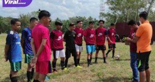 Tim sepak bola PALI sedang bersiap diri hadapi Porprov XIII Sumsel di OKU Raya. Foto : viralsumsel.com/eko