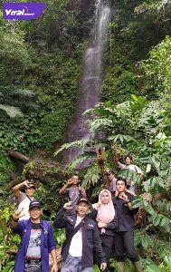 Cughup Tebat Juring dengan tinggi sekitar 25 meter berada di ketinggian 1.130 mdpl di kawasan Lawang Juring. Foto : istimewa