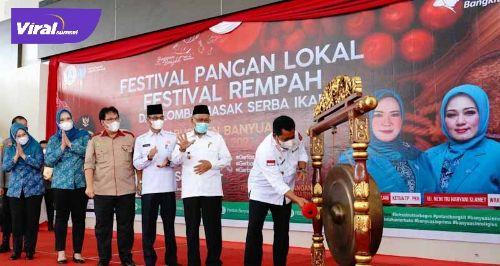 Bupati Banyuasin Askolani buka festival pangan lokal, festival rempah dan lomba masak serba ikan Kabupaten Banyuasin Tahun 2021, Rabu (1/9/2021). Foto :viralsumsel.com/Eci