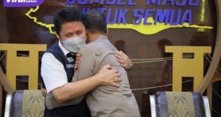 Gubernur Sumsel Herman Deru disela-sela menerima anjangsana Irjen. Pol. Prof. Dr. Eko Indra Heri dalam rangka berpamitan sebelum meninggalkan Sumsel, Rabu (1/9/2021). Foto : viralsumsel.com/win