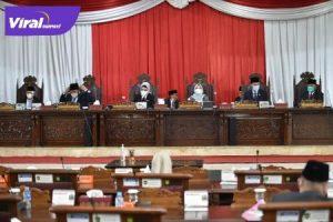 Pimpinan DPRD Sumsel Mendengarkan Penjelasan Gubernur Terhadap Rapeda Perubahan APBD Tahun Anggaran 2021. Foto : viralsumsel.com