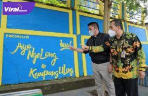 Gubernur Sumsel H Herman Deru bersama Walikota Lubuklinggau SN Prana Putra Sohe meninjau Kampung Ulung, Sabtu (25/9/2021). Foto : viralsumsel.com/win