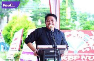 Gubernur Sumsel H. Herman Deru menyerahkan 189 Sertifikat Tanah secara simbolis di halaman Kantor ATR/BPN Lubuklinggau, Sabtu (25/9/2021). Foto : viralsumsel.com/win