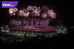 Pesta kembang api pada pembukaan PON XX Papua 2021 di Stadion Lukas Enembe, Sabtu (2/10/2021) malam. Foto : humas pon